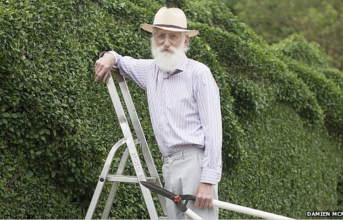 This Guy Gave Up Traveling To Spend 10 Years Working On His Hedge. When You See It… OMG.
